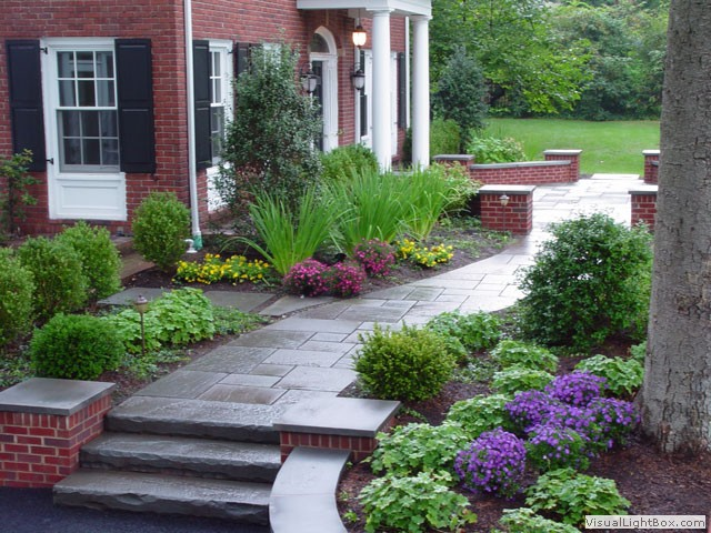 Seven easy walkway ideas to create curb appeal blooms for Country garden designs ireland